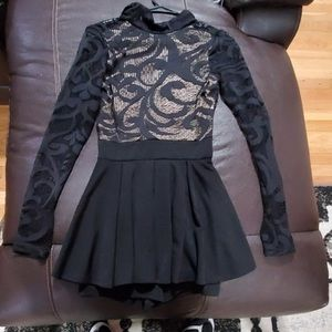 BEBE Romper short/dress size small lace black